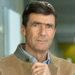 Prof. Dr. Thorsten Bach - Alumni-Porträt