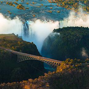 Ein Bild der Victoria Falls von der Luft