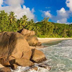Anse Takamaka Insel Mahé – Strand auf den Seychellen