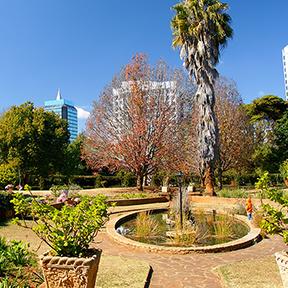 Ein Bild von der Stadt  Harare aufgenommen vom Harare Central Park, Harare, Simbabwe