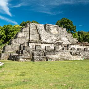 Panorama des Belize Altun Ha Maya-Tempelanlage