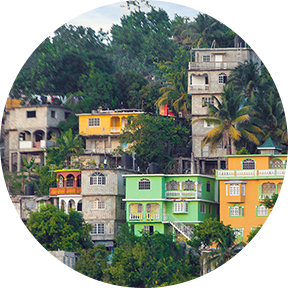 Leuchtende Farbe Häuser am Hang