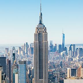 Empire State Building inmitten von New York