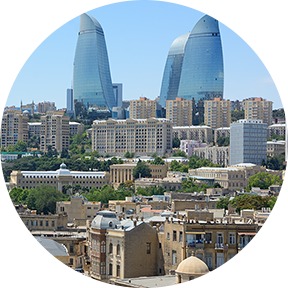 Ein Bild des Jungfrauenturms in Aserbaidschan