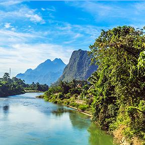 Vangvieng und Nam Song Fluss in Laos