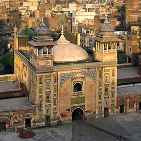 Ein Bild der Wazir Khan-Moschee in Lahore, Pakistan