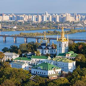 Ansicht von Kiew Pechersk Lavra und von Dnepr-Fluss