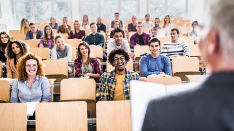 Stundents in a lecture hall. - Centres for German and European Studies